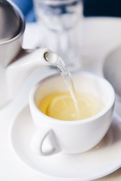 If you struggle with pimples and blemishes, one of our recommended acne teas along with a healthier diet may be all you need to get clear skin fast. Acne Detox, Skin Detox, Turmeric Tea, Organic Turmeric, Clear Skin Fast, Clear Face, Organic Loose Leaf Tea, Peppermint Tea, Tea Benefits