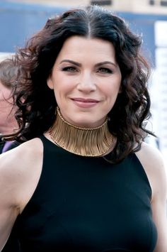 Dear Ms. Black-Not-So-Well, I am a beautiful, talented Emmy award winning celebrity and I can wear this unflattering, get my hair caught in it and scream like a girl when I take it off, ridiculously overpriced, 14K gold designer neck brace if I want to. So there. Sincerely, Julianna Margulies. Dear Julianna, you look like you have no neck. Sincerely, Ms. Black-Not-So-Well. Trust me on this.