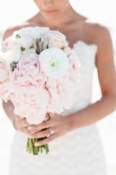 Soft pink, blush, and white bridal bouquet | Photo by Erin McGinn on Grey Likes Weddings — Loverly Weddings