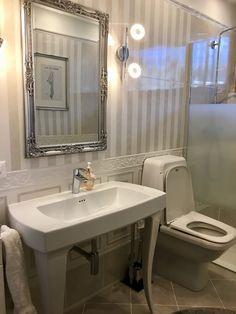 Shower bathroom @VillaEureka