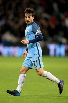 """Manchester City's David Silva during the Premier League match at London Stadium. PRESS ASSOCIATION Photo. Picture date: Wednesday February 1, 2017. See PA story SOCCER West Ham. Photo credit should read: Adam Davy/PA Wire. RESTRICTIONS: EDITORIAL USE ONLY No use with unauthorised audio, video, data, fixture lists, club/league logos or """"live"""" services. Online in-match use limited to 75 images, no video emulation. No use in betting, games or single club/league/player publications."""