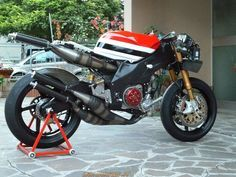 Yamaha YZR 500 REPLICA, RZ500 engine,