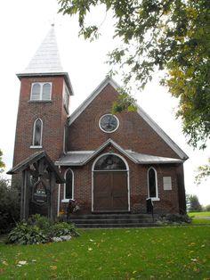 Igreja Unida Zion em Apple Hill, província de Ontário, Canadá. Construída em 1925.  Fotografia: Dominic Labbe no Flickr.