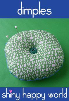 Wendi Gratz: Free Pattern: Dimples Pincushion