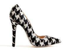 Pointed shoes and Scottish style are tip top trends for Fall/Winter 2013-2014, tick all the boxes with these houndstooth heels by Blumarine.