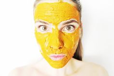 Imagine if you could prepare a face mask in the convenience of your home using a simple ingredient from your fridge, and then use this mask as a way to treat wrinkles, dark circles, acne