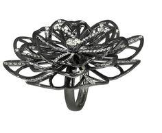 Jacob & Co.'s Abanico Collection Flower Cocktail Ring #JacobArabo #JacobandCo. #ring #flower #diamond #abanico