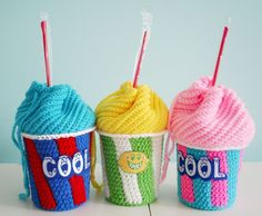 Free Crochet Pattern: Slushee Cup Drawstring Bag - amazingly creative crochet bag from Twinkie Chan. Twinkie also sells the finished item in her Etsy shop for those who don't crochet.