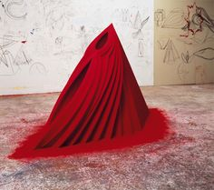 Anish Kapoor . mother as mountain, 1985