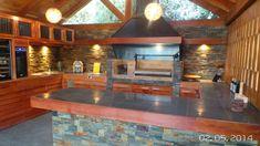 PERGOLAS Y QUINCHOS: quinchos Outdoor Kitchen Grill, Backyard Kitchen, Outdoor Kitchen Design, Outdoor Cooking, Backyard Patio, Modern Castle, Outdoor Patio Designs, Casa Clean, Outdoor Gardens