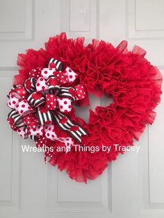 Valentines Day Grip Liner Heart w red/white/black bow - 2018 - - Wreaths and Things by Tracey Cute Valentine Ideas, Valentine Day Wreaths, Valentines Day Decorations, Valentine Crafts, Holiday Wreaths, Tulle Crafts, Wreath Crafts, Diy Wreath, Wreath Ideas