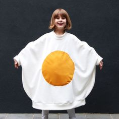 Make a fried egg costume that's *so* comfy you'll want to wear it on a daily…