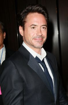 I never used to like Robert Downey Jr, but he has been looking hot lately!