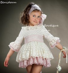 BOUTIQUE LUNA : MARITA RIAL calle y CEREMONIA 2016 Gowns For Girls, Girls Dresses, Little Girl Outfits, Kids Outfits, Baby Girl Fashion, Kids Fashion, Spanish Dress, Baby Dress Patterns, Wedding Flower Girl Dresses