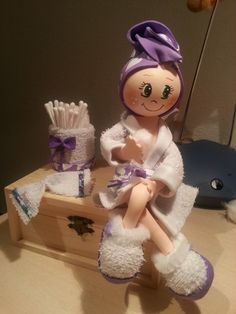 fofucha baño What does 'fofucha' mean? Foam Crafts, Diy And Crafts, Arts And Crafts, Sewing Projects, Craft Projects, Creation Couture, Soft Dolls, Soft Sculpture, Cold Porcelain