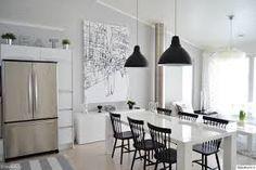 vaalea sisustus - Google-haku Scandi Home, Scandinavian Interior, Modern Interior, Interior Design, Dining Room Chairs, Table And Chairs, Dining Area, Beautiful Dining Rooms, Interior Decorating