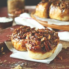 Easy vegan sticky buns made with 9 ingredients that require just one rise. Fast, simple, and seriously sticky and delicious. Perfect for lazy weekend mornings. Vegan Sweets, Vegan Desserts, Dessert Recipes, Brunch Recipes, Baker Recipes, Vegan Recipes, Bread Recipes, Sticky Buns, Sticky Rolls
