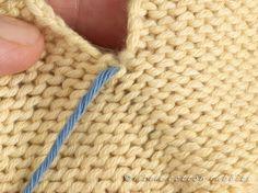 A mattress stitch tutorial (Little Cotton Rabbits) Baby Hats Knitting, Loom Knitting, Knitting Stitches, Knitting Patterns Free, Free Knitting, Knitted Hats, Knitting Basics, Knit Edge, Little Cotton Rabbits
