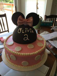 Olivia's Minnie Mouse cake