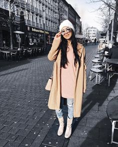 Sieh dir dieses Instagram-Foto von @confashiontime an • Gefällt 934 Mal  Street Style * Casual Look * Oversized Coat in camel * Distressed Denim * Cat Sunglasses * Streetfashion Winter * OOTD * Fashionblog