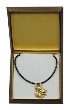 NEW,Labrador Retriever, millesimal fineness dog necklace,in casket, limited… Scottish Deerhound, Scottish Terrier, Staffordshire Bull Terrier, Bull Terrier Dog, Terriers, Boston Terrier, Labrador Retriever, Siberian Husky Dog, Brussels Griffon