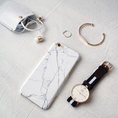 "Seriously in love with my new @queu_queu marble iPhone case! Get yours by using the discount code ""kaff15"" to get 15% off all products (excluding sale items) Have a nice Friday"