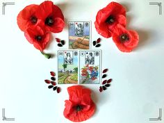 Lenormand cards with poppy decoration Poppy, Magic, Decoration, Frame, Cards, Home Decor, Homemade Home Decor, Decorating, Poppies