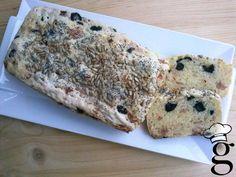 Pan de molde sin gluten con jamón y aceitunas negras  SIN GLUTEN - GLUTEN FREE
