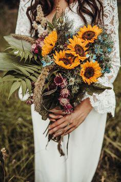 46 Sunflower Wedding Ideas That Inspire Boho Wedding Bouquet, Cascading Wedding Bouquets, Summer Wedding Bouquets, Bridal Flowers, Wedding Colors, Bridal Bouquets, Sun Flower Wedding, Wedding Ideas, Creative Wedding Favors