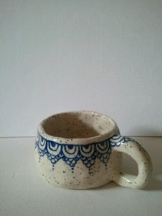 handbuilt ceramic mug. Contact for tailor made order. :)