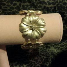 Beautiful Embellished Bracelet EUC Very nice bracelet. Nice weight. Very pretty. Jewelry Bracelets