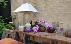 The Joy of Flowers at the home of Walda Pairon - Belgian Pearls Belgian Pearls, Belgian Style, Wonderful Flowers, Cozy House, Decorative Items, Flower Arrangements, Joy, Table Decorations, Interior Design