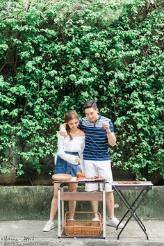Alden Richards and Maine Mendoza Look Absolutely in Love in Their Kalyeserye Prenup Shoot Pre Nup Photoshoot, Pre Wedding Photoshoot, Photoshoot Ideas, Prenup Photos Philippines, Prenup Outfit Couple, Prenup Photos Ideas, Prenup Ideas Outfits, Pre Nuptial Photos, Filipiniana Wedding Theme