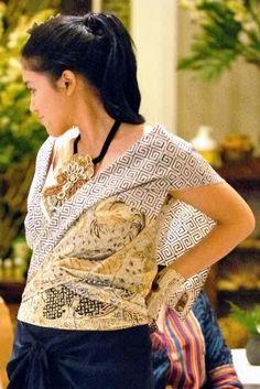 Unusual batik blouse #Indonesia