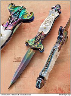 Photos SharpByCoop • Gallery of Handmade Knives - Page 21 Pretty Knives, Cool Knives, Swords And Daggers, Knives And Swords, Katana, Objet Harry Potter, Steampunk Accessoires, Armas Ninja, Dagger Knife