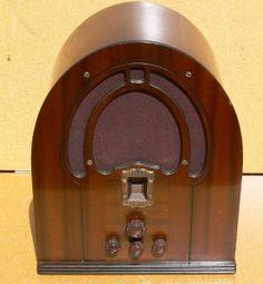 Philco cathedral radio 1930's
