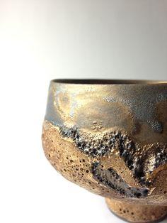 Lava Gold Tea Bowl - RYOTA AOKI POTTERY ONLINE STORE