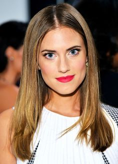 Allison Williams' matte fuchsia lip and sleek strands.