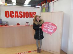 Ayer miércoles Verónica V. V. se compró ¡¡¡ POR SOLO 1 EURO !!! este ARMARIO en nuestra tienda de Muebles Boom #FERROL (Avenida Nicasio Pérez, Nave 7, 15404 Ferrol).