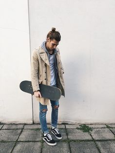 Skater Boys, from cute to sexy! Get inspired with new skateboarding outfits, clothes or styles. The best skater boy looks and clothing for a Skater style. Teen Fashion, Fashion Outfits, Fashion Tips, Fashion Trends, School Fashion, Fashion Men, Fashion Bloggers, Korean Fashion, Skate Style