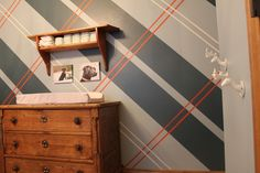 Plaid Accent Wall - love the preppiness!