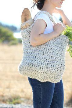 Free Crochet Pattern- Sturdy Market Tote #marketbags #crochetpatternsfree #crochetmarketbag