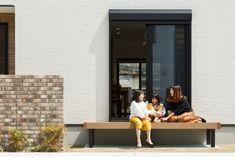 昔から日本で縁側が愛されてきたように、ウッドデッキでひなたぼっこはいかが? #ウッドデッキ #庭 #エクステリア #ひなたぼっこ #マイホーム #家づくり