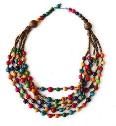 Sarah. Açai seeds necklace. Color multicolor.