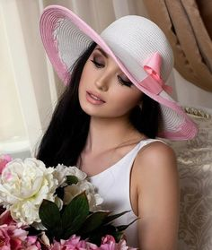 Hats For Women, Portrait Photography, Fashion Beauty, Beautiful Pictures, Beautiful Women, Elegant, Lady, Sign, Makeup