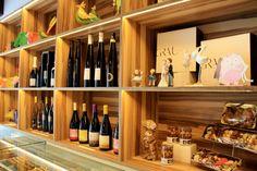 A la nostra pastisseria, cuidem el més mínim detall i l'atresorem per sempre. 🥧😎 Liquor Cabinet, Storage, Furniture, Home Decor, Gray, Homemade Home Decor, Larger, Home Furnishings, Decoration Home