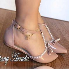 A imagem pode conter: sapatos Fancy Shoes, Pretty Shoes, Beautiful Shoes, Cute Shoes, Me Too Shoes, Shoes Flats Sandals, Shoe Boots, Heels, Bridal Shoes