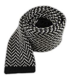Black & Whit knit tie
