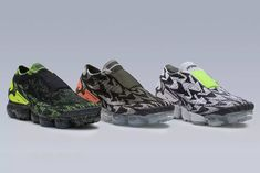 Released: ACRONYM x Nike Air VaporMax Moc 2 Collection Nike Air Vapormax, Sneakers Nike, Nike Shoes, Nike Models, Designer Shoes, Sneaker Bar, Dress With Sneakers, Kicks, Athletic Shoes