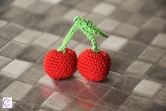 Cherry crochet Crochet Cerise by Chiyoko Cute Creation Crochet Fruit, Mom Birthday, Green Cotton, Free Crochet, Free Pattern, Crochet Earrings, Cherry, Presents, Things To Come